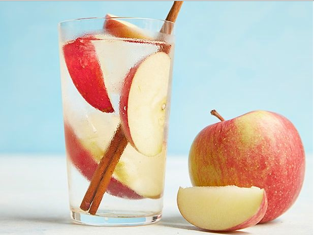 apple and cinnamon infused water